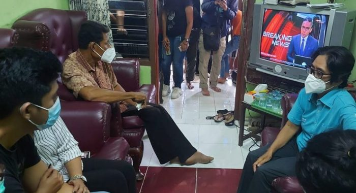 Suasana di rumah orang tua Mia Tresetyani Wadu Pramugari Sriwijaya Air SJ 182 di Jln Tukad Gangga, Gang Tirta Gangga 8, Denpasar Selatan (Sitri Sulla/Kupang Terkini)