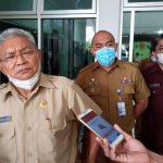 Wakil Walikota Kupang, Hermanus Man saat memberikan keterangan kepada media, Selasa (9/2/21). (foto: andi/kupangterkini.com)