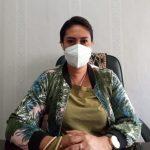 Lurah LLBK Anastasia Y Manafe saat memberikan keterangan kepada kupangterkini.com soal tuduhan niotizen pada dirinya. (foto : andi/kupangterkini.com)
