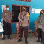 Rombongan Kabaharkam Mabes Polri, Brigjen Pol Edi Murbowo saat mengunjungi posko PPKM Desa Oefafi, Kupang Timur (ist)