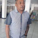 Jeftha Van Sooai saat memberikan pernyataan terkait surat penegasan Walikota Kupang (yandry/kupangterkini.com)