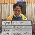 Tersangka pembuang bayi asal So'e, TTS setelah diamankan pihak kepolisian sektor Denpasar Selatan. (ist)
