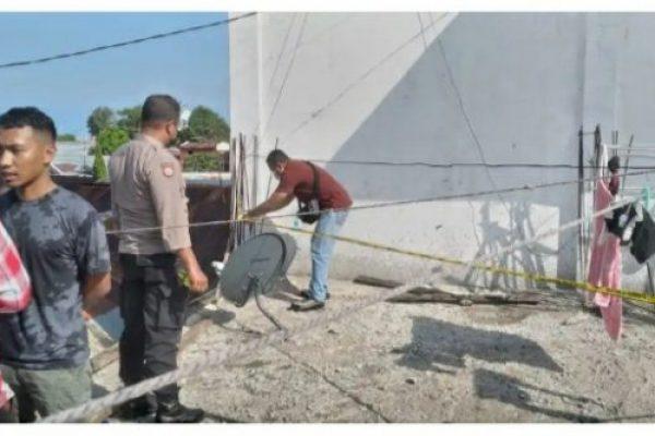 Anggota polsek Kelapa Lima bersama Polres Kupang Kota saat menjalankan proses olah TKP (ist)