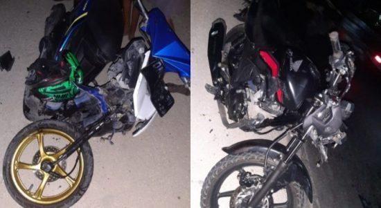 Kondisi dua Sepeda motor yang saling adu jangkrik (yandry/kupangterkini.com)